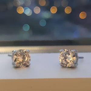 NEW| Womens Silver Stud Earrings
